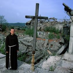 Chiesa devastata in Bosnia