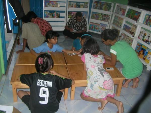 Indonesia: gli islamisti fanno chiudere una biblioteca pubblica per bambini