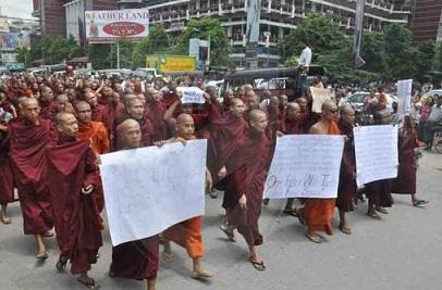 Myanmar: cristiani espulsi da monaci buddisti!