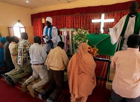Africa, dall'islam al cristianesimo sola andata!