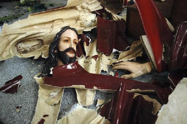 È una persecuzione mondiale 345 cristiani uccisi ogni mese!